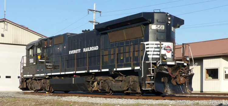 Everett Railroad Dash 8 32-B 561